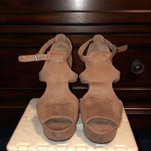 H&M Tan Wooden Chunky Heels